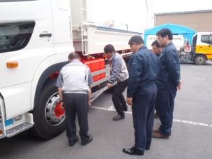 画像:宮城日野自動車様からのトルクレンチ取り扱い講習をおこないました。1