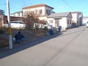 画像:本社近隣清掃活動を行いました。3
